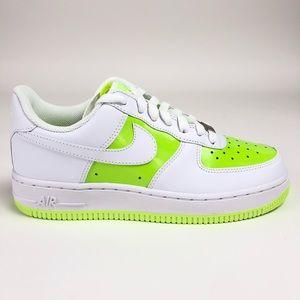 Nike Air Force 1 '07 Womens Low Top Sneakers